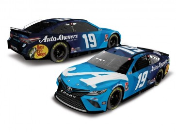 1:24 NASCAR Toyota Camry, M. Truex Jr. '2020 Auto Owners Insurance'