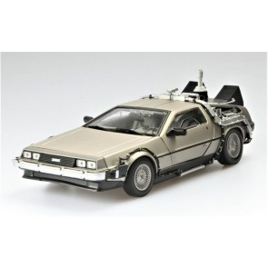 "1:18 DMC Delorean ""Back to the Future II"""