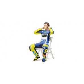 1:12 Figuur V. Rossi 'Checking the ear plugs'