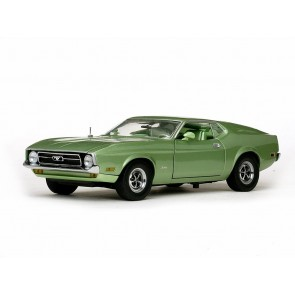 1:18 Ford Mustang Mach 1 Sportroof