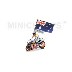 1:12 Honda NSR 500 Mick Doohan 1995 with figurine & flag