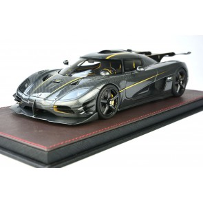 1:18 Koenigsegg One:1 'Carbon Gold'