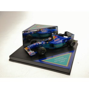 1:43 Red Bull Sauber Petronas C16 Johnny Herbert