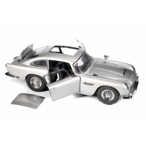 James Bond's Aston Martin DB5 1:8
