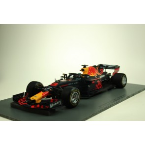 1:18 Red Bull RB14 Daniel Ricciardo Winner GP China 2018